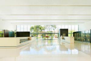 reumd-lobby-7557-hor-clsc